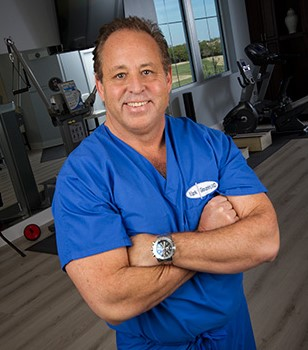 Dr. Mark Giovanini performs 1st spine surgery with Avenue T